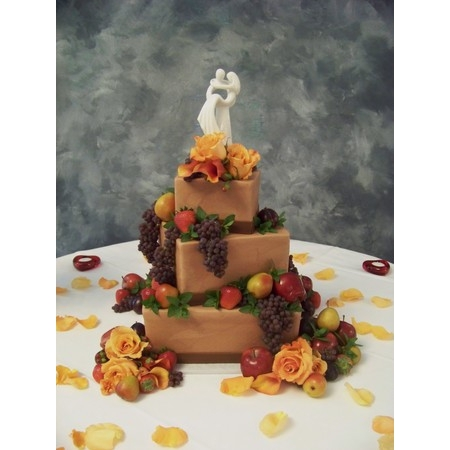 Creations By Laura - Union MO Wedding Cake Photo 12