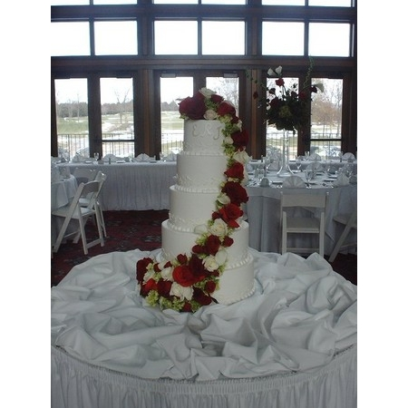 Creations By Laura - Union MO Wedding Cake Photo 6