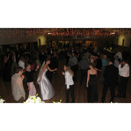 Mobile Magic Entertainment - Sioux Falls SD Wedding Disc Jockey Photo 3
