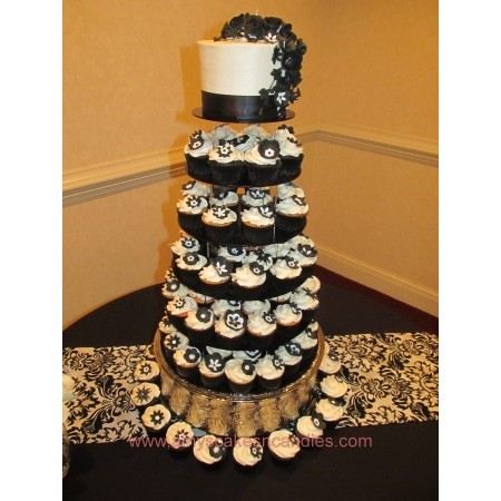 Amy's Cakes & Candies - Greensboro NC Wedding Cake Photo 3