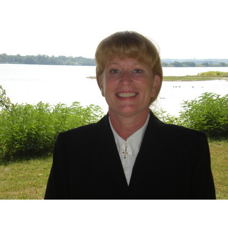 Reverend Sheila Rae - Bettendorf IA Wedding Officiant / Clergy Photo 1
