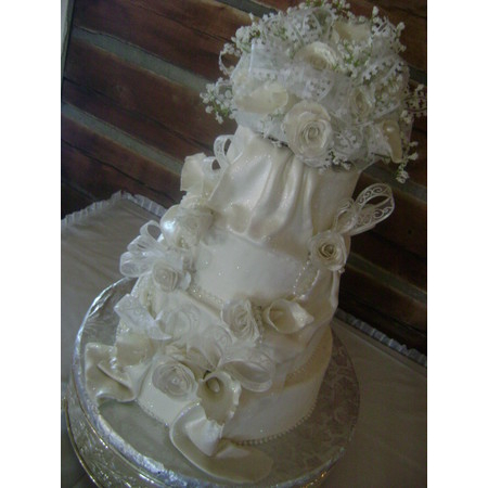 Delectable Delights By Debbie - Amherst OH Wedding Cake Photo 24