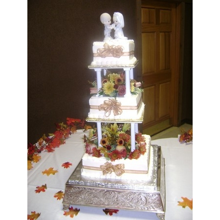 Delectable Delights By Debbie - Amherst OH Wedding Cake Photo 8