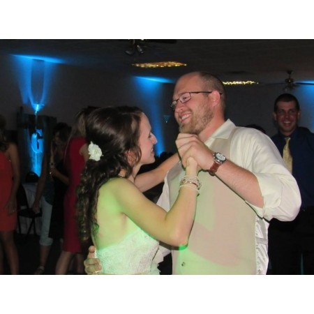 Active DJ's - Washington MO Wedding Disc Jockey Photo 7