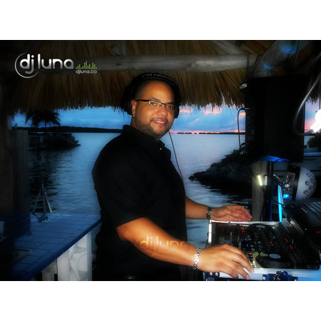 DJ Luna Entertainment - Hollywood FL Wedding Disc Jockey Photo 13