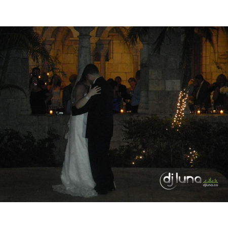 DJ Luna Entertainment - Hollywood FL Wedding Disc Jockey Photo 3